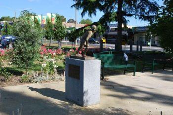 Estatua en homenaje a Edwin Flack en Australia