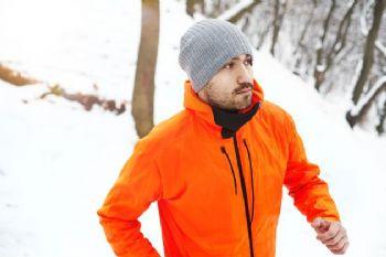 Chaquetas, impermeables o cortavientos, imprescindibles en invierno