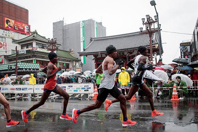 La maratón de Tokio es la prueba atlética anual más reconocida en su ciudad homónima